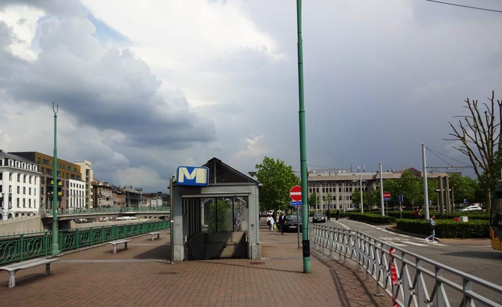 Станция легкого метро