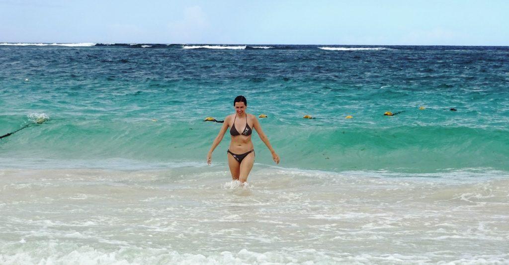 Карибское море чудесное. Есть много мест, где мне нравится вода, но больше нигде я не встречала подобных цветов