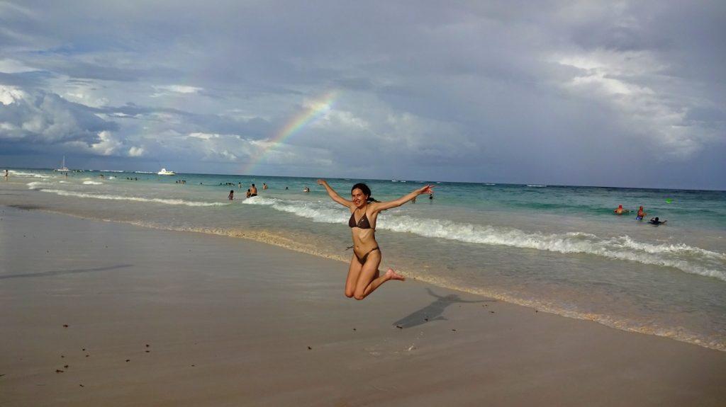 После ливня - вот такие радуги, и я прыгаю от счастья