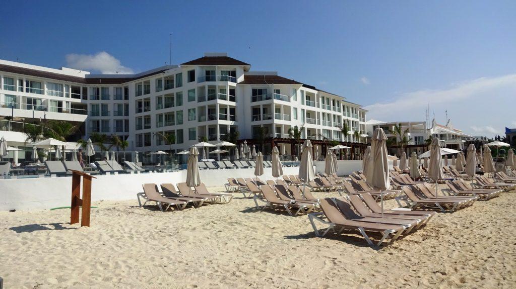 Пляж отеля Playacar Palace