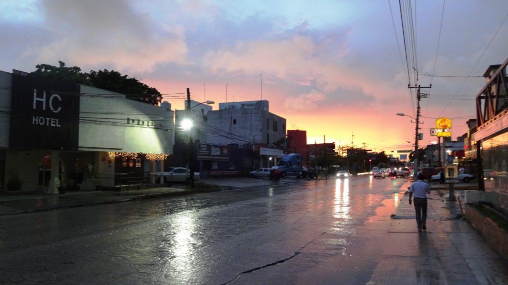 Канкун, центральная часть, закат