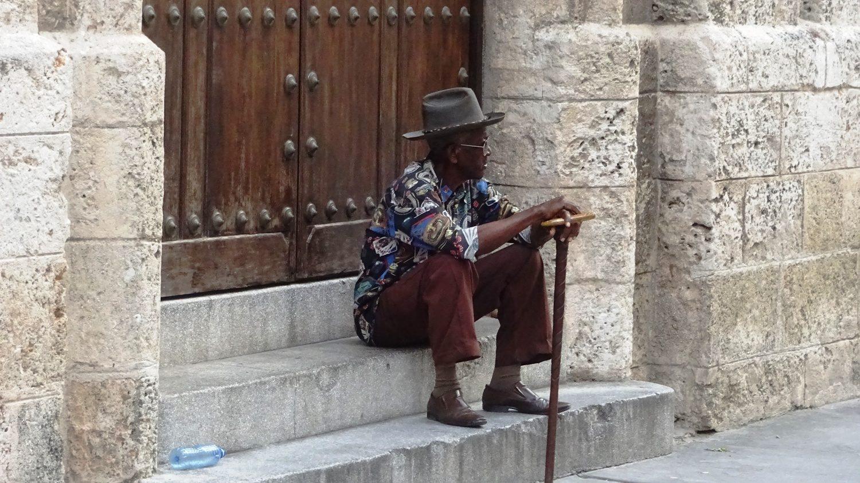 Видишь такого человека и сразу понимаешь: ты на Кубе!