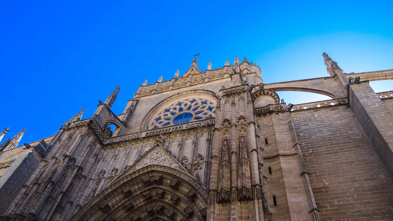 Построен в 1401—1519 годах, неоднократно реставрировался, выглядит просто потрясающе