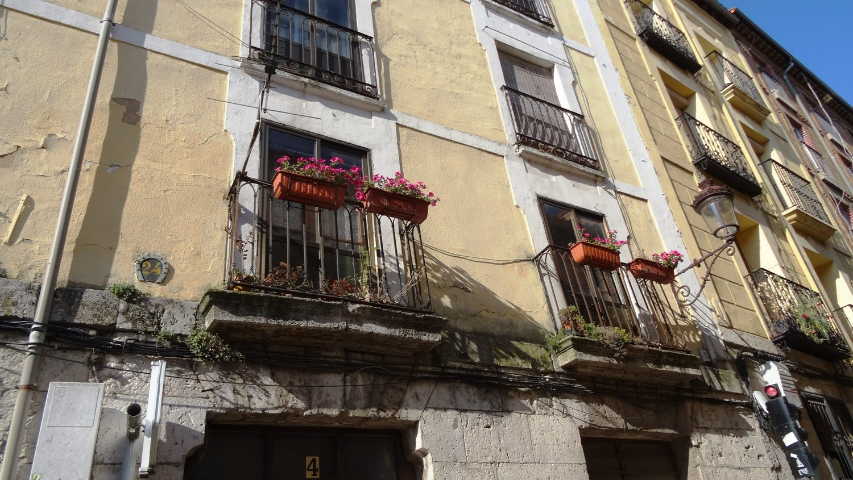 Ох уж эти чудесные цветочки на балконах