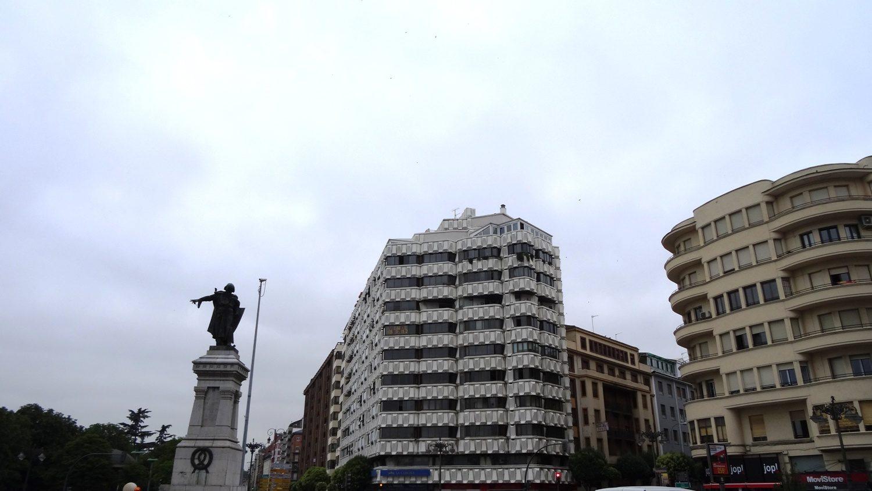 Plaza De Guzman El Bueno