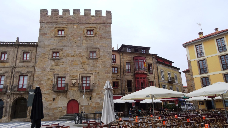 Дворец Revillagigedo на Plaza del Marqués