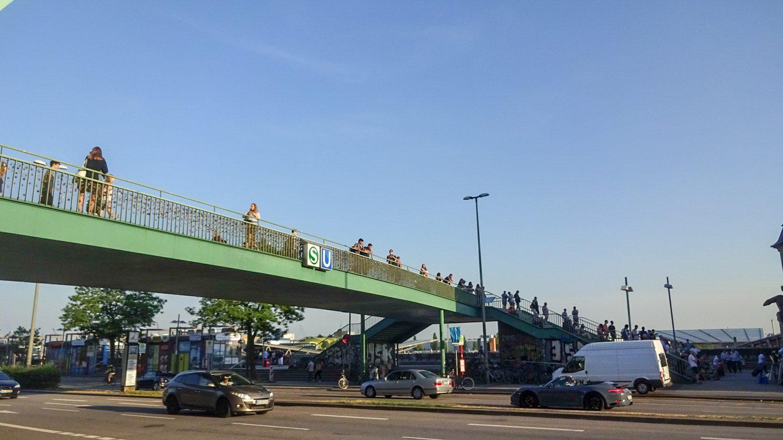 Пешеходный мост через Мост через St. Pauli Hafenstraße