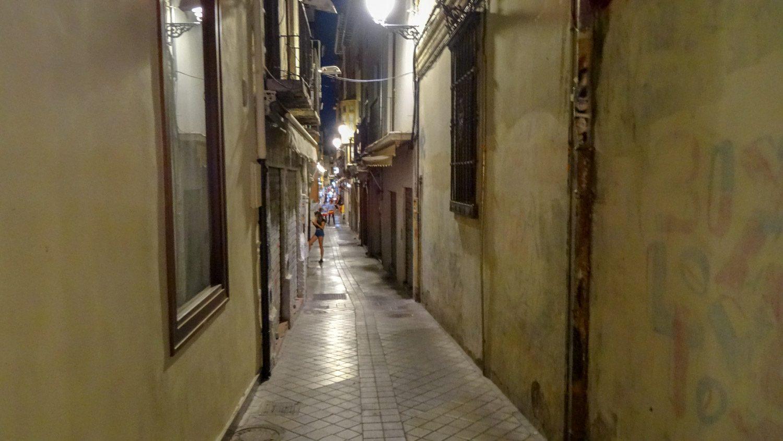 И такие улочки есть в Гранаде