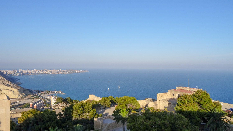 Средиземное море и пара яхт...
