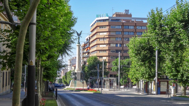 Monumento a las batallas de Jaén - памятник павшим в битвах при Хаэне, построенный в XX веке