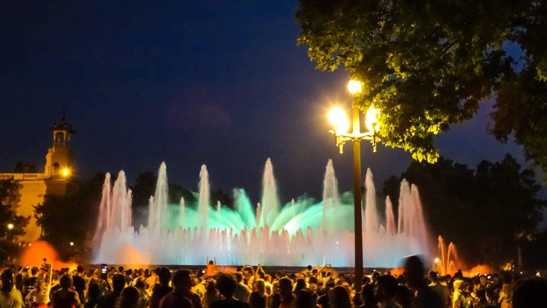 Я видела, наверное, около 10 музыкальных фонтанов в разных городах и странах, но эти до сих пор любимые