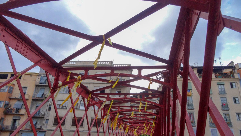 И на Эйфелевом мосту тоже