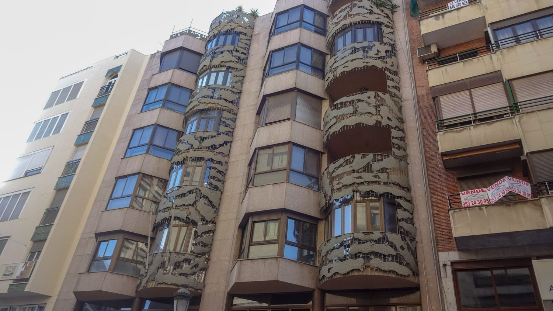 Современные постройки тоже необычные