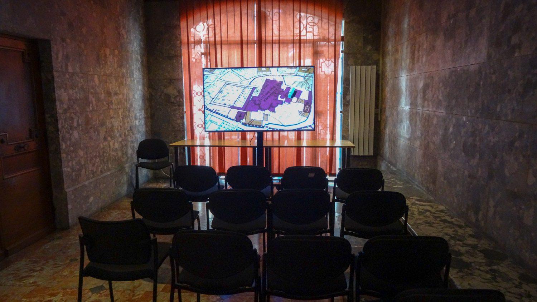 А около - зал, где можно ознакомиться с историей города и окрестностей. Классно же!