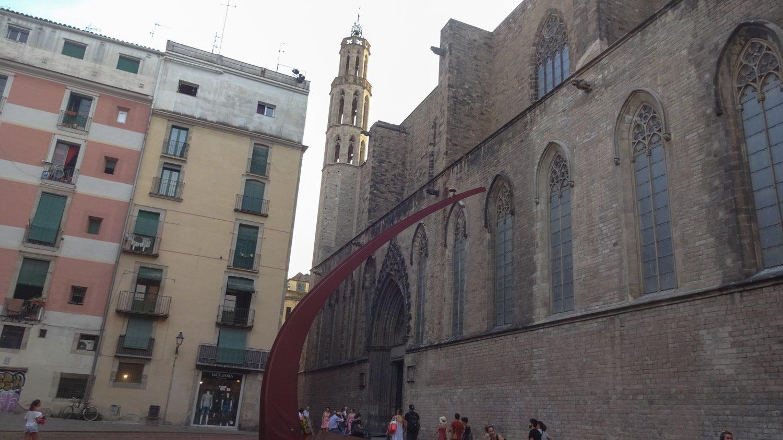 Стелла около церкви