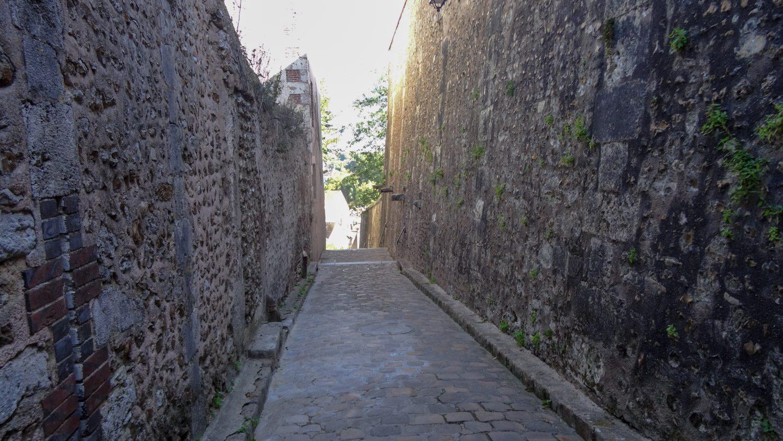 Старые стены...