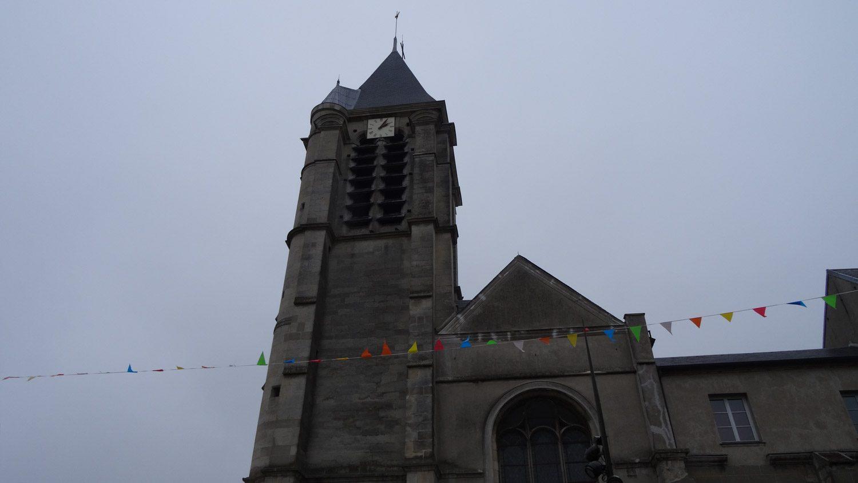 Есть и своя церковь