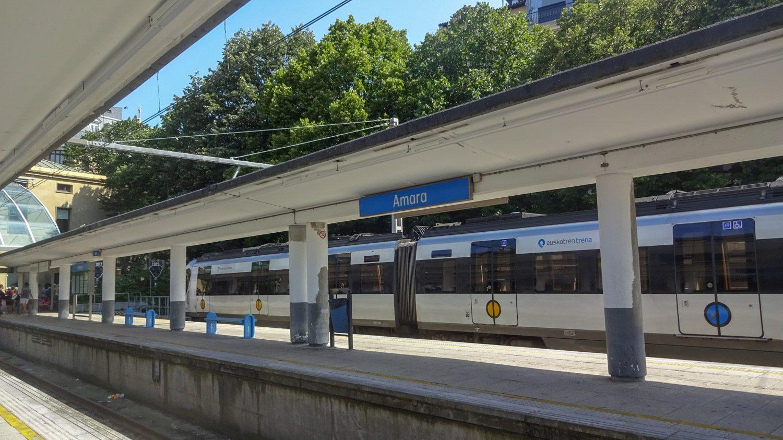 Amara - станция в центре, куда приходят поезда из Андая и соседних городов