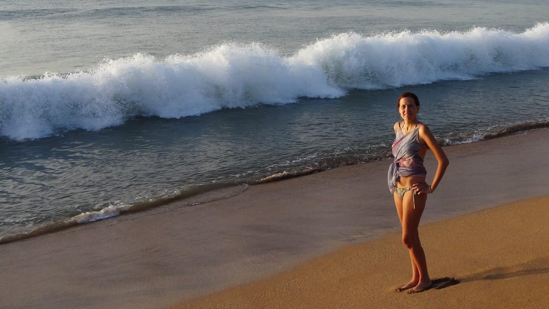 Пляж Grande-Anse вечером... Огромный, с сильными волнами, песком красивого цвета и довольно сложным входом