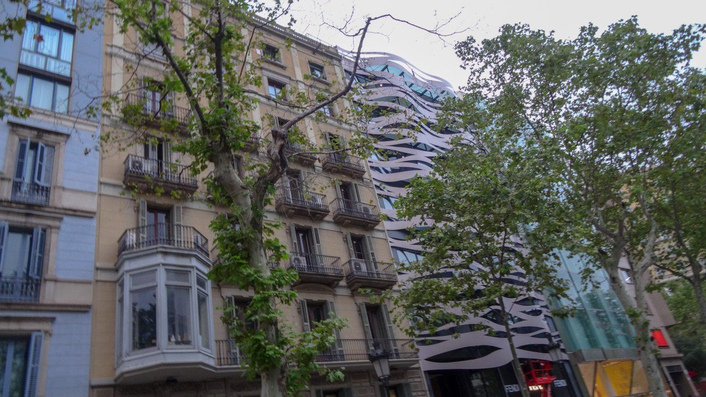 Passeig de Gràcia - разнообразие архитектуры