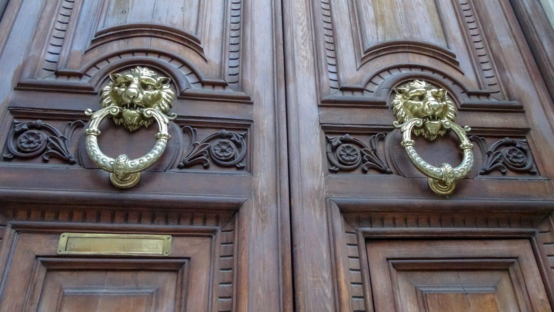Старинные двери...