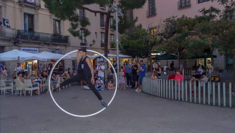 Уличный артист...