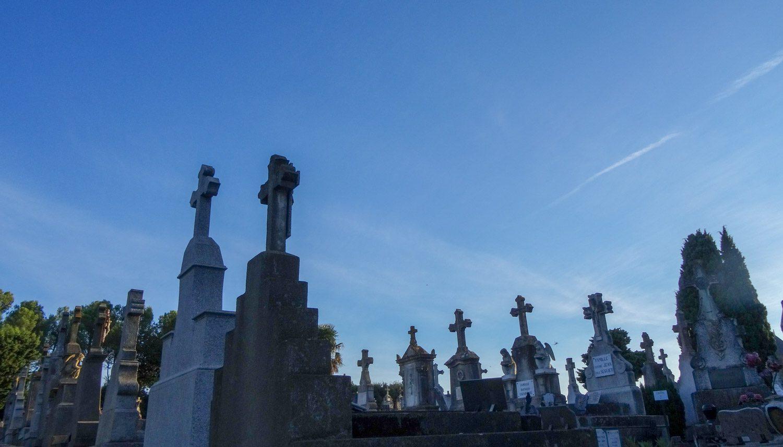 Около крепости - старое кладбище