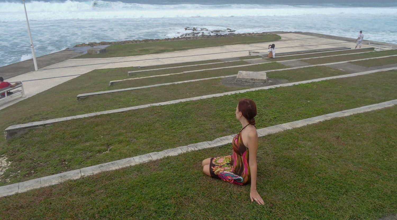 Есть место, куда люди приходят полюбоваться океаном...