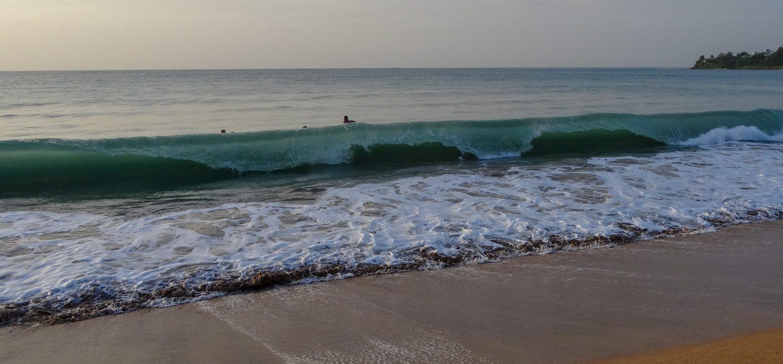 С удовольствием поснимала закручивающуюся волну