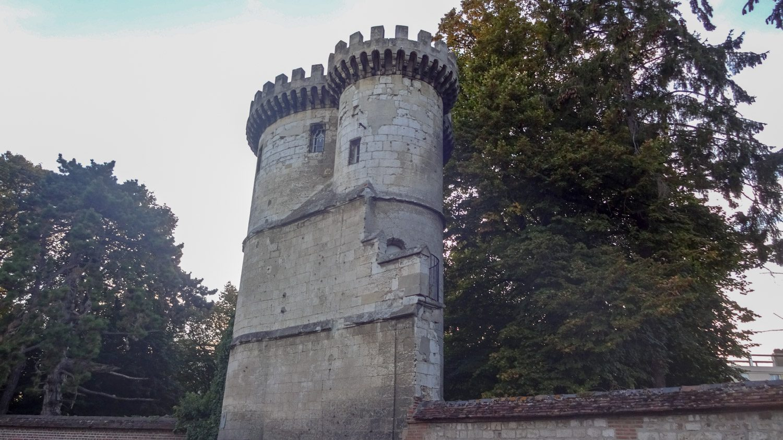 Башня Saint-Lucien