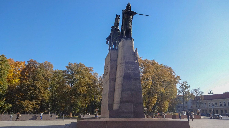 Памятник великому князю Гедимину
