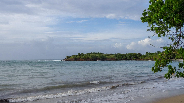 На полуострове есть пляжи, но мы их приятными для купания не сочли