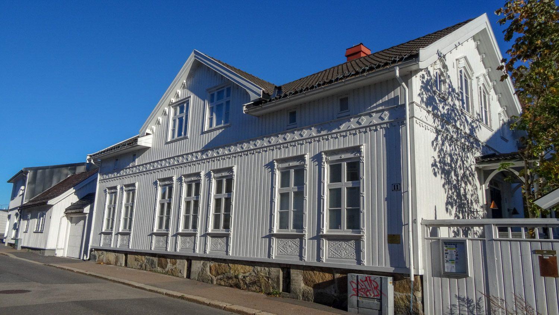 Вот такие домики в Саннефьорде. Правда, прелесть?