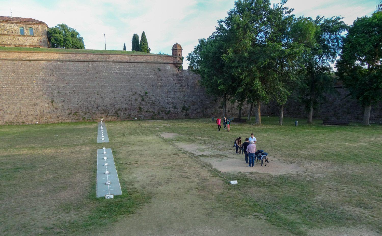 Но сама крепость явно популярна и у туристов, и у местных жителей