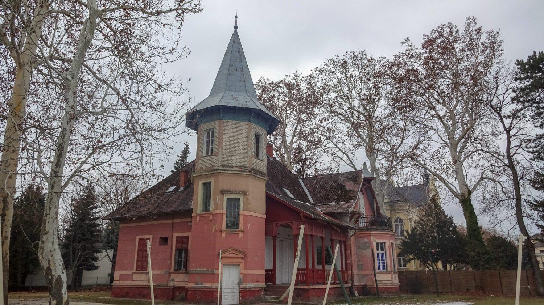 Много необычных домов