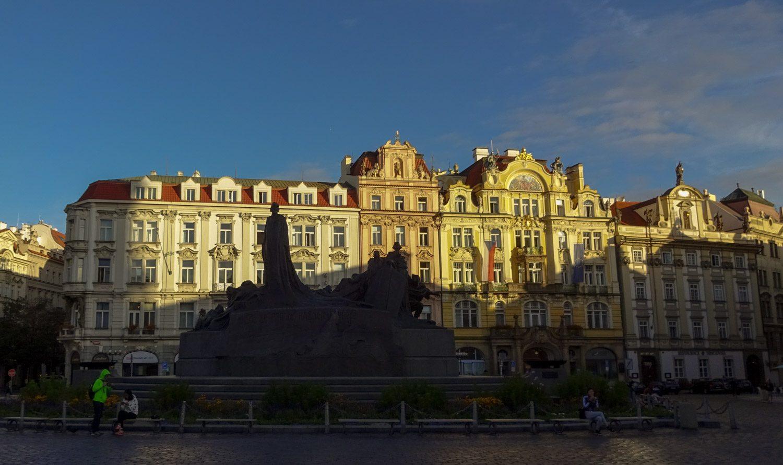 Староместская площадь, памятник Яну Гусу