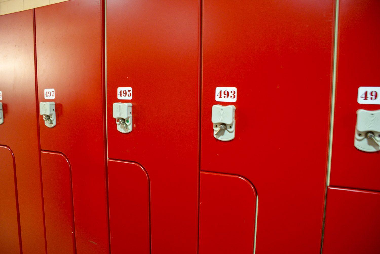 Шкафчики в раздевалке
