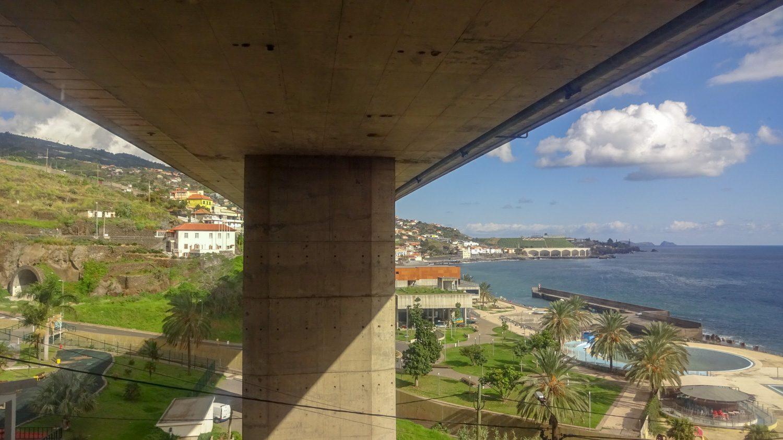Развязок и мостов на Мадейре мало