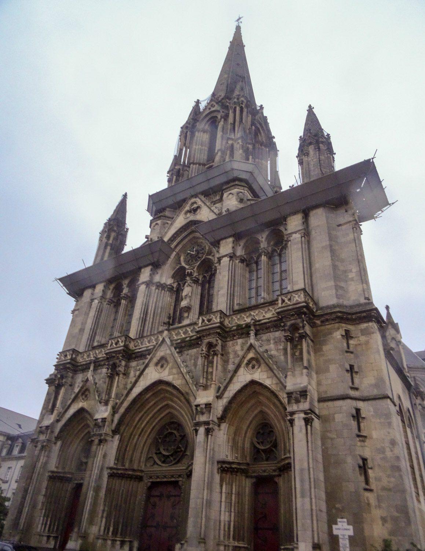Eglise Saint-Clement, которую начали строить еще в XVIII веке