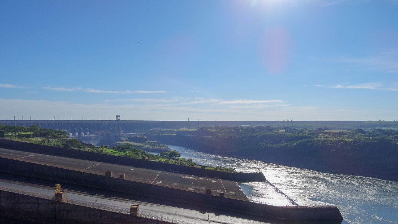 """На """"Итайпу"""" впервые было произведено более 100 млрд кВт⋅ч электроэнергии за год (в 2016)"""