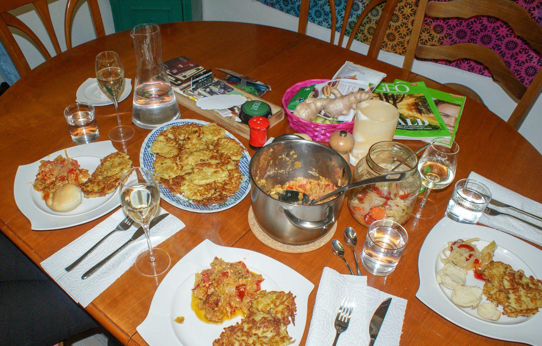 А это наш интернациональный ужин