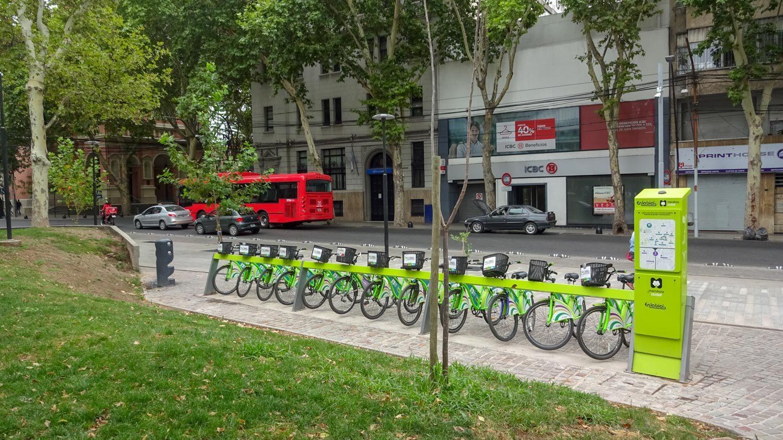 Здесь же можно взять напрокат велосипеды