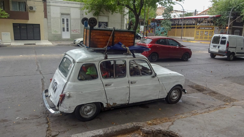 А вот личный транспорт не всегда современный