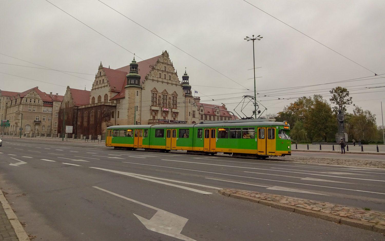 Яркие трамваи