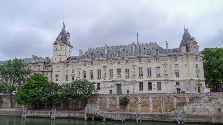 Вид с набережной Grands Augustins