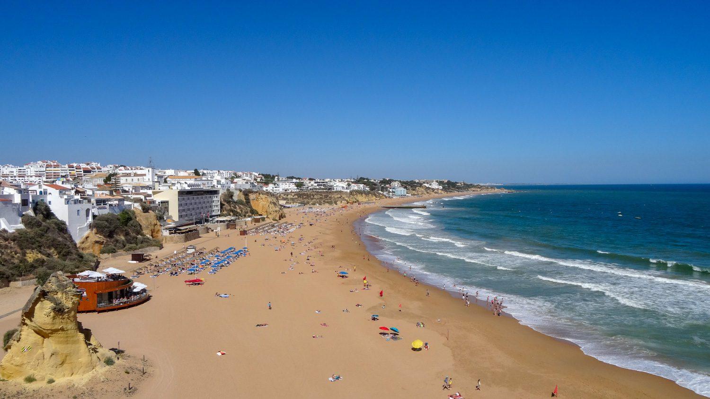 Так пляж Peneco выглядит сверху