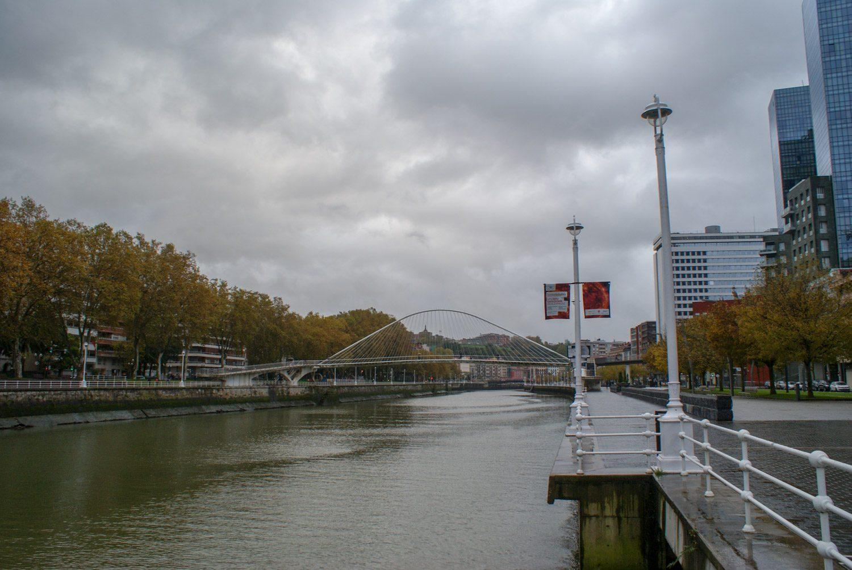Современный арочный мост Кампо-Волантин
