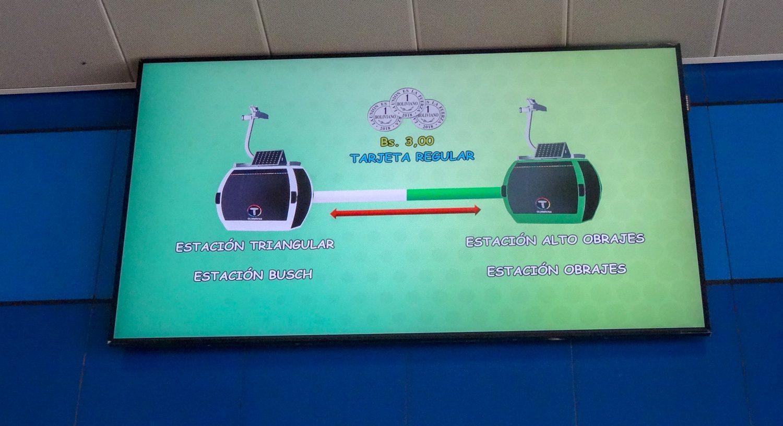 Экраны на станциях рассказывают о Mi Teleférico