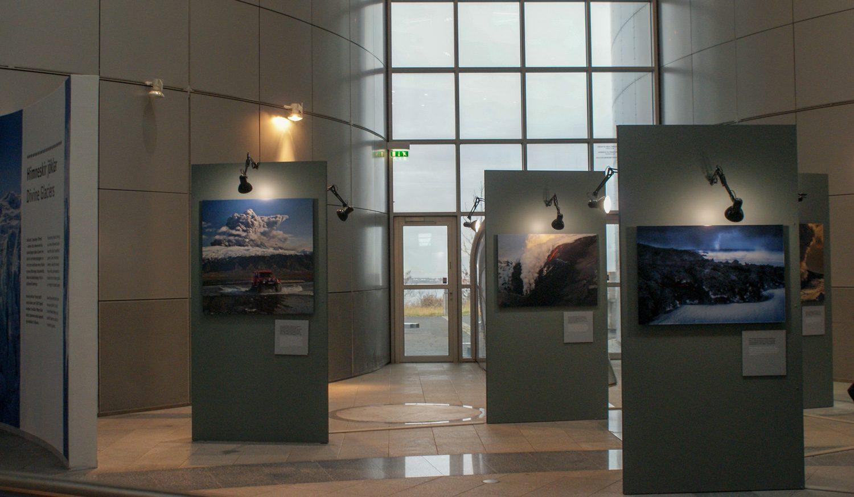 Небольшая выставка о стране