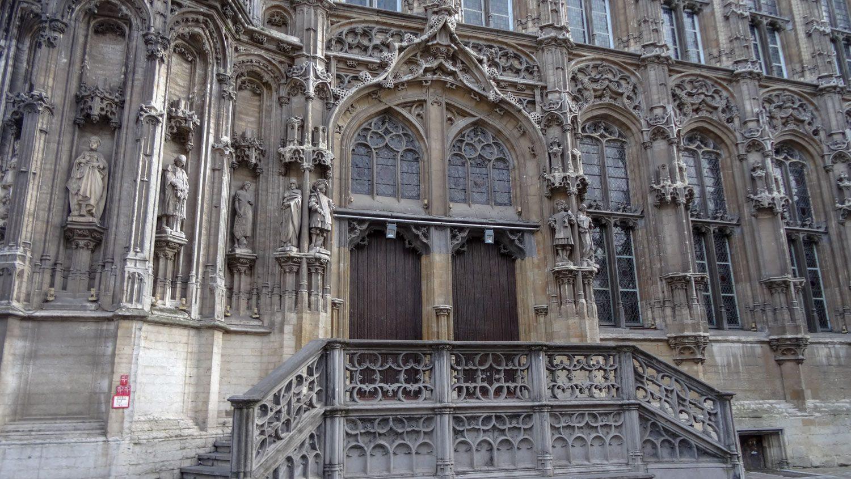 Старинный вход